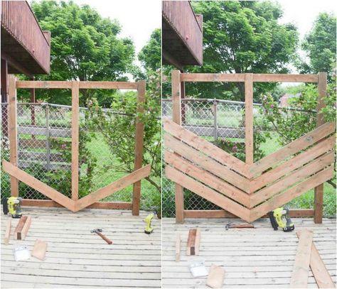 Diy Panneau Bois Exterieur A Detourner En Brise Vue Pour Gagner Un Peu D Intimite Panneau Bois Exterieur Idee Deco Jardin Recup Et Panneau Bois