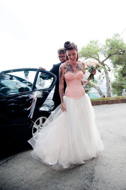 Una boda de lo más cañera...