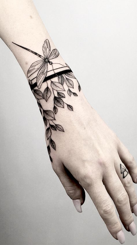 Ornamental Tattoos That Turn Your Body Into A Living Piece Of Art.  From intricate detailed mandalas to floral tattoo designs, these ornamental tattoos will show you that beauty doesn't need an explanation.
