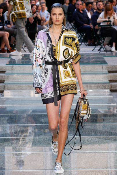 Versace Spring 2018 Menswear Collection Photos – Vogue Source by billyleepakyee