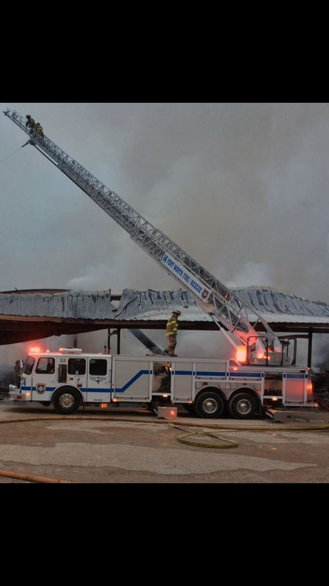 Ladder 14 Fort Worth Fire Department Putting Out A Large Lumber