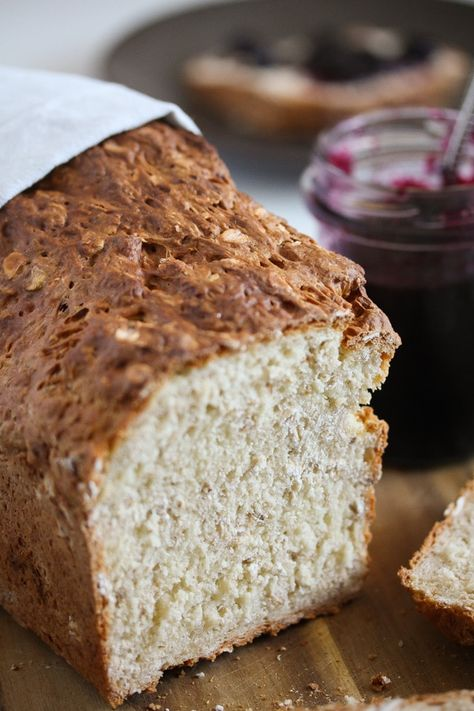 Quick, no-yeast oatmeal bread. Less than five minutes to prepare the bread and about half an hour baking time. #whereismyspoon #oatbread #oatmealbread #noyeastbread #quickbread #breadrecipes