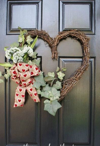 15 Upcycle Cds Diy Crafts Ideas Grapevine Wreath Grape Vines Valentine Wreath