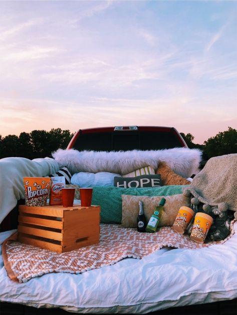 cute date ideas Summer Dream, Summer Fun, Summer Picnic, Summer Nights, Date Nights, Picnic Date, Winter Fun, Summer Vibes, Fun Sleepover Ideas