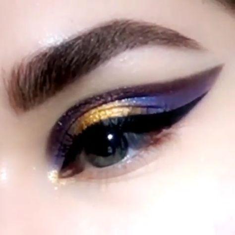 Galaxy Winged Eye Makeup Tutorial