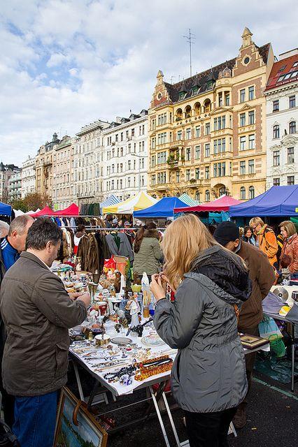 Flohmarkt am Naschmarkt Wien, Samstags ab 6.30 Uhr (Kettenbrückengasse)