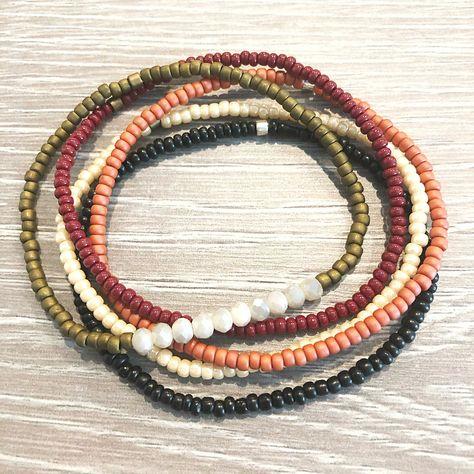 Diy Beaded Bracelets, Dainty Bracelets, Stackable Bracelets, Stretch Bracelets, Beaded Jewelry, Making Bracelets, Embroidery Bracelets, Wire Jewelry, Jewellery