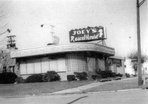 Joey's Supper Club (Detroit Ave)