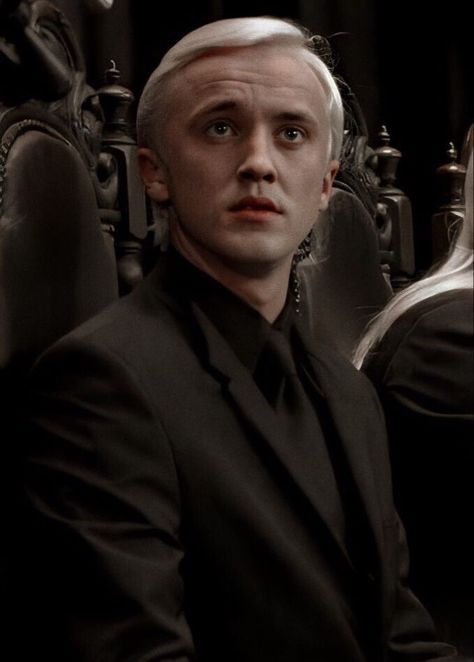 Draco Malfoy Aesthetic, Harry Potter Aesthetic, Slytherin Aesthetic, Harry Potter Draco Malfoy, Harry Potter Characters, Harry Potter Fandom, Draco Malfoy Fan Art, Tom Felton Harry Potter, Severus Snape