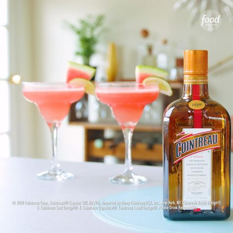 Watermelon season means ONE thing… it's time to cool off with a Frozen Watermelon Margarita! 🍉 Sponsored by Cointreau