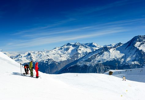4. Ultimate bragging rights in the 3 Valleys: Can you ski the 10 main resorts of the largest ski area in the world in one day? The answer is yes, and it's an excellent day out that gets you to all the corners of this massive ski area. What better way to brag to your friends, than saying you've skied the 600km of the largest linked ski area in the world, Les Trois Vallées. Read more: http://www.igluski.com/blog/2014/08/19/top-5-once-in-a-lifetime-ski-experiences