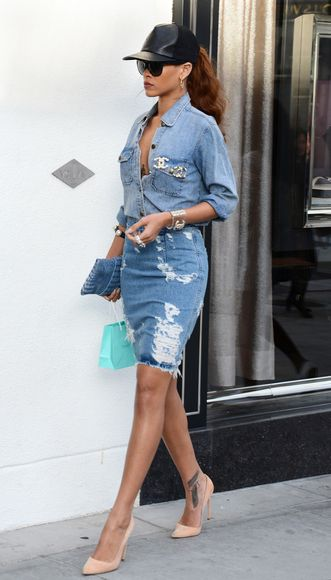 Rihanna Shopping on Rodeo Drive in Beverly Hills, California - April 5, 2013 - Photo: Runway Manhattan/AFF