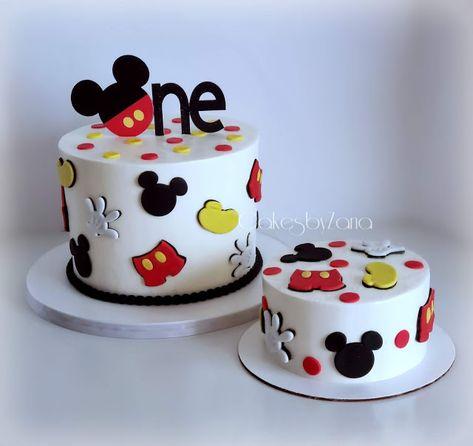Bolo Do Mickey Mouse, Mickey Mouse Smash Cakes, Bolo Minnie, Mickey Cakes, Mickey Mouse Images, Minnie Mouse, Mickey Birthday Cakes, Mickey 1st Birthdays, Mickey Mouse Clubhouse Birthday