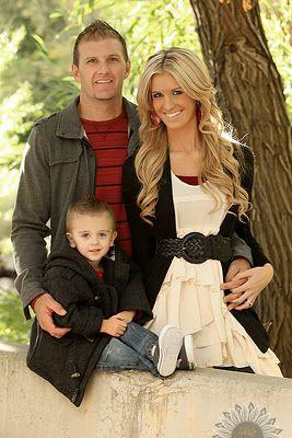 Really like this family photo idea