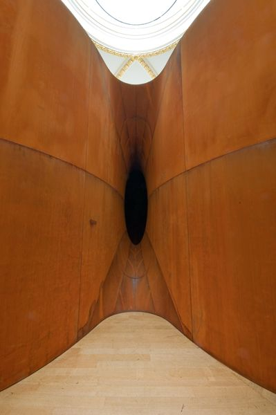 British master sculptor Anish Kapoor creates fabulous works whatever he does, but in this architectural installation  he has almost surpassed himself by honouring creation with a symbolic shape referencing the place from where all human life springs. Yoni = Creation.