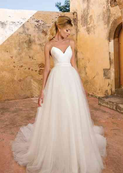 Justin Alexander Wedding Dresses Justin Alexander Photos In 2020 Tulle Wedding Gown Justin Alexander Bridal Beach Wedding Dress