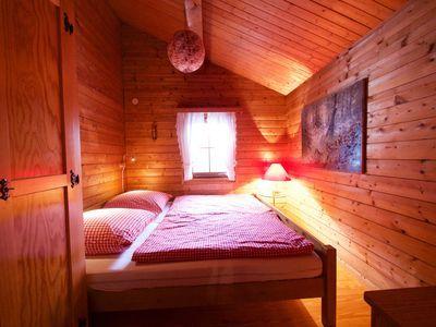 Ferienhaus Taunus I Waldsolms Schlafzimmer 1 Bett 1 80m X 2 0m Kleiderschrank Sideboard Wohnung Ferienhaus Ferienwohnung