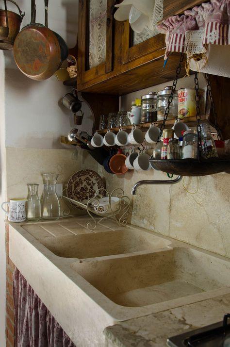 Tavoli Antichi Da Cucina Con Marmo.Lavabo In Travertino Massello Cucina Stile Rustico Shabby Chic