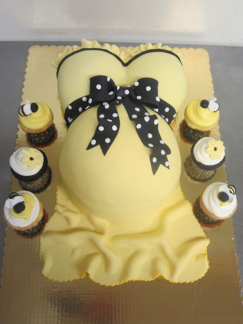 Pregnant Belly Cake with Footprint | Pregnant Belly Cakes – Decoration Ideas
