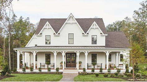 Our Plan Of The Month To Kick Off The New Year Is Southern Gothic Plan Sl 1921 A Modern Farmhouse Plans Modern Farmhouse Exterior Southern Living House Plans
