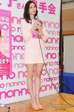ファッションモデルの新木優子さん
