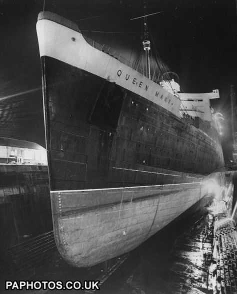 Transport - Water - Liners - RMS Queen Mary - King George V Dry Docks, Southampton   Ocean Liners   Friends Reunited