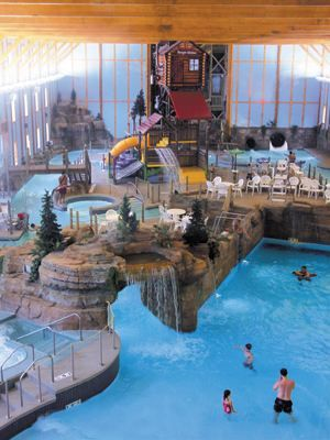 Enjoy a family or group getaway in the Starved Rock area of Illinois at Grizzly Jack's Grand Bear Resort, a vacation oasis with an indoor waterpark and amusement park, dining, event space and rustic-style suites, villas and cabins.