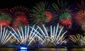 Cities Around The World Rang In The New Year With Colourful Fireworks From Paris New York Moscow Welcome New Year New Year Fireworks New Years Eve Fireworks