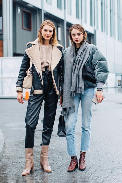 Street style from New York Fashion Week Fall/Winter Street Style bei der New Yorker Herbst-Winter-Modewoche Bildnachweis: Sandra Semburg