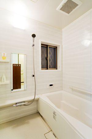 施工事例 浴室 お風呂リフォーム グラニットボーダーホワイトで清潔