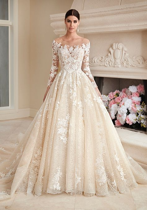 Wedding Dress out of Demetrios (1018), silhouette ball gown, neckline off-the-shoulder, floor, long sleeve