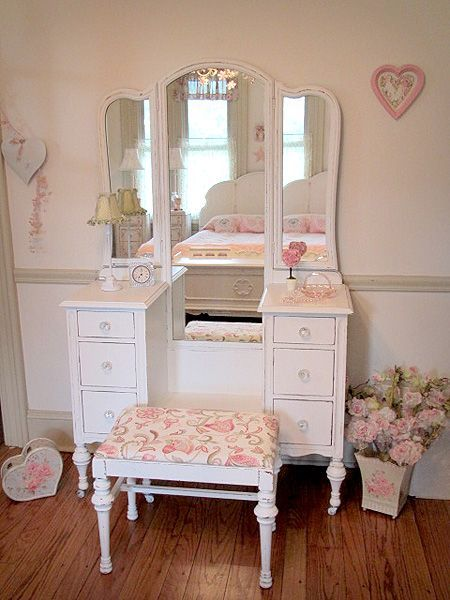 Classic Antique White Vanity With Tri Fold Mirror And Bench Shabby Chic Dresser Shabby Chic Vanity Vintage Shabby Chic