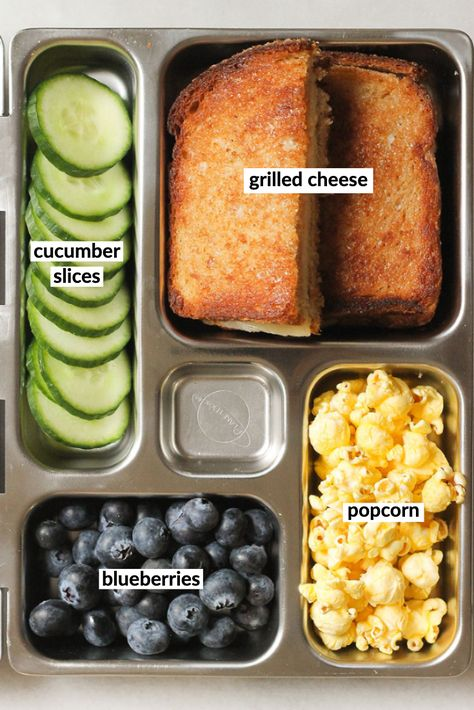 Kids School Lunch Ideas 469992911114699143 - Is your kid getting sick of eating the same thing every day? Switch up their school lunch with these clever bento box lunch ideas! Source by eatthisnotthat Bento Box Lunch For Kids, Kids Lunch For School, Healthy Lunches For Kids, Lunch Snacks, Kids Meals, Bento Lunch Ideas, Daycare Lunch Box, Healthy Lunch Foods, Kids Lunch Box Ideas Schools