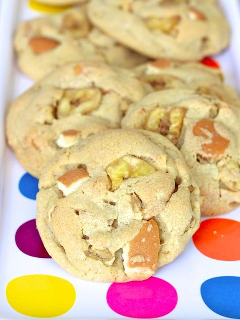 Chewy cookies loaded with all the yummy flavor of southern-style banana pudding.