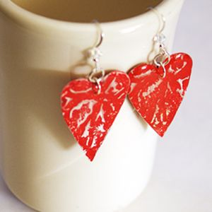 #DIY #Upcycled Recycled aluminum can heart earrings by @savedbyloves