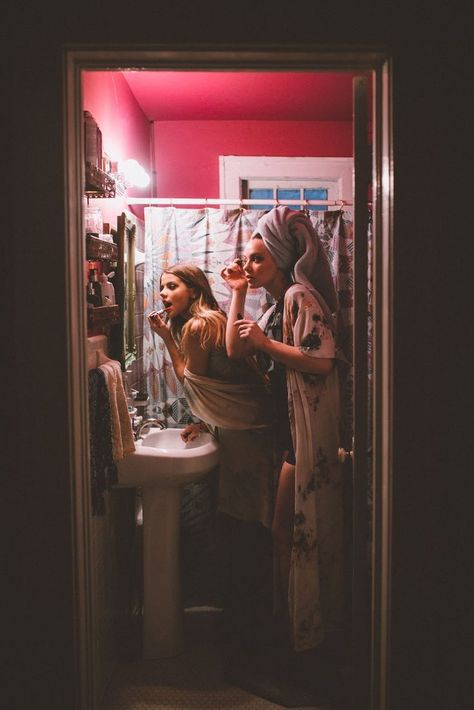 There's no one like your BFF! Here some cute phot ideas for that BFF goal! Best Friend Pictures, Bff Pictures, Friend Photos, Night Pictures, Party Pictures, Bff Pics, Best Friend Fotos, My Best Friend, Old Best Friends