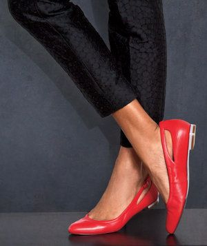 11 Comfortable Shoes for Women to Save