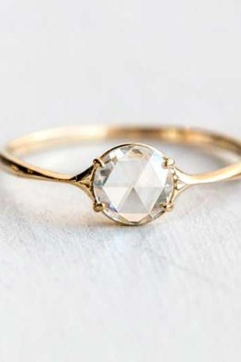 8 Vintage Wedding Ring Trends That Are Having A Moment Beautiful Engagement Rings Vintage Flat Engagement Rings Wedding Rings Vintage