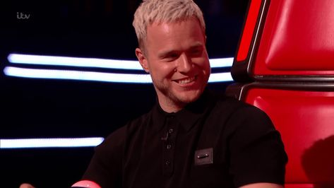 The Voice Viewers Distressed At Olly Murs Bold New Hair As He And Will I Am Go Blonde Ollys Feeling His New Look Picture Itv The New Hair Blonde Olly Murs