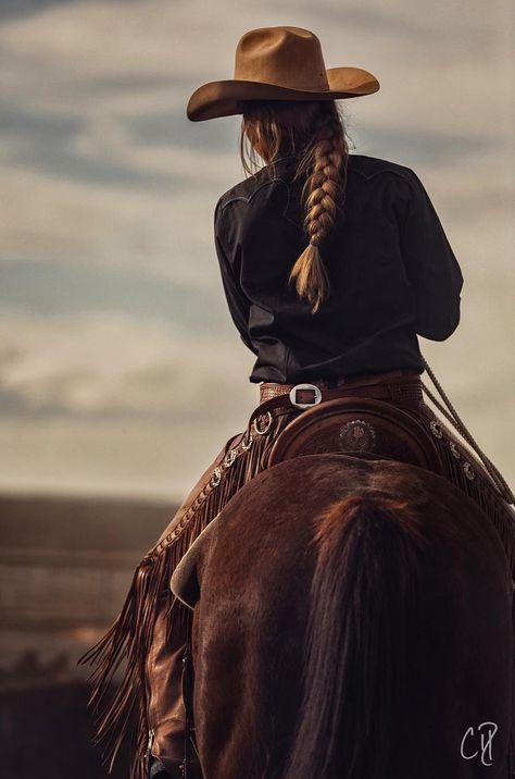 Checking brands by Chris Dickinson on YouPic Foto Cowgirl, Estilo Cowgirl, Cowgirl And Horse, Gypsy Cowgirl, Cowboy Art, Horse Girl Photography, Western Photography, Equine Photography, Country Outfits