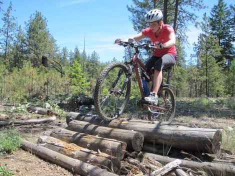 27 Backyard Mtb Ideas Mtb Mtb Trails Bike Parking
