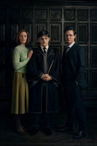 Cc Harry Potter And The Cursed Child Cast 3 Harry Ginny Albus Harry Potter Cursed Child Character Portraits Cursed Child