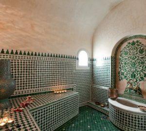 Coiffures Chignons De La Mariee Dziriya Magazine Turkish Bath House Turkish Bath Hammam Towels