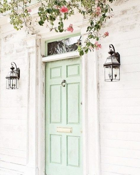 Just a lil Saturday front door inspo...i LOVE this colour...it reminds me of Pistachio ice cream! The kind me  Charlie loved when we were in Nice last year! LUSH! . . . . . . . . . #fblbloggers #lifestyleblogger #bbloggersuk #fblchat #ukblogger #bblog #fblblogger #lifestylebloggersuk #lifestyleblog #springdecor #interiorinspo #lifestyle #summervibes #decorinspo #homedecorinspo #homestyleinspo #interiorblogger #interiordesign #homeinspo #interiordecor #homestyling #interiorideas #newhome #homest