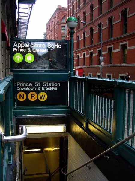 Chaosmint Apple Soho In New York City New York Subway New York City Ny Subway