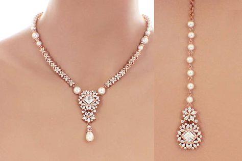 7de7b5d04e27 Pearl backdrop necklace