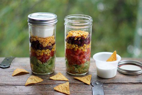 Tipps für ein gesundes Mittagessen im Büro + Rezept Mexikanischer-Schichtsalat | Projekt: Gesund leben | Ernährung, Bewegung & Entspannung