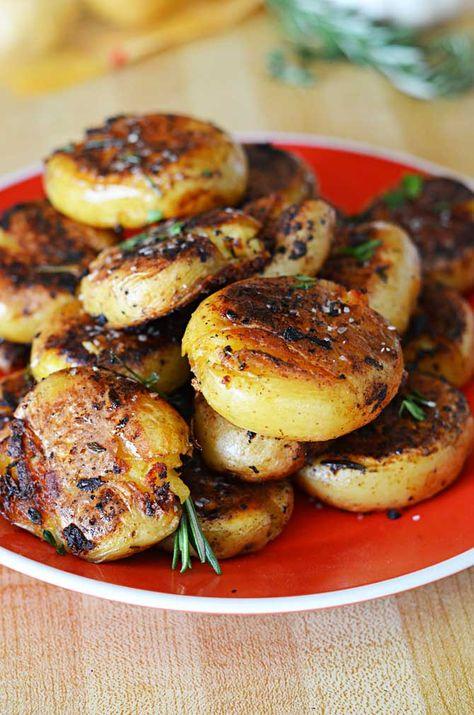 Crispy-Outside Creamy-Inside Garlic Herb Potatoes. Substitute veggie broth to make it vegetarian!