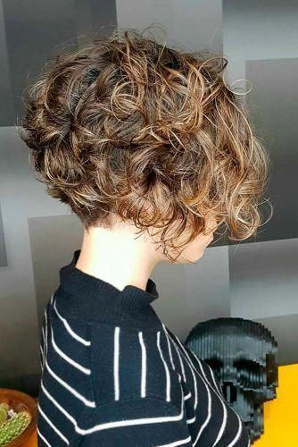 15 Best Short Hairstyles For 2020 Haircolors Hairstyles Short Shorthair Shorthairstyles Short Hair Styles Short Curly Haircuts Haircuts For Curly Hair