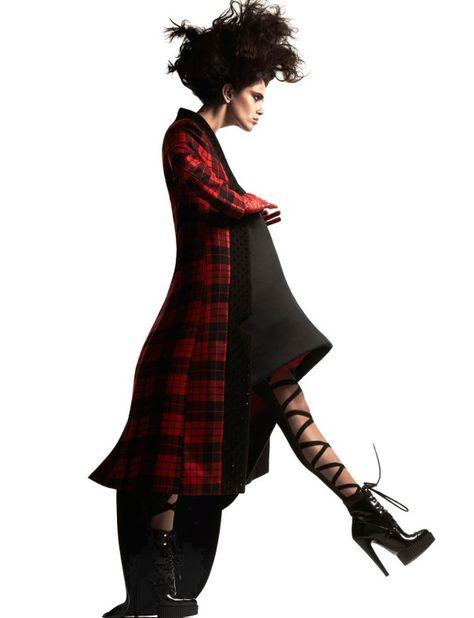 Amanda Wellsh by Ishi for Vogue Netherlands December 2014